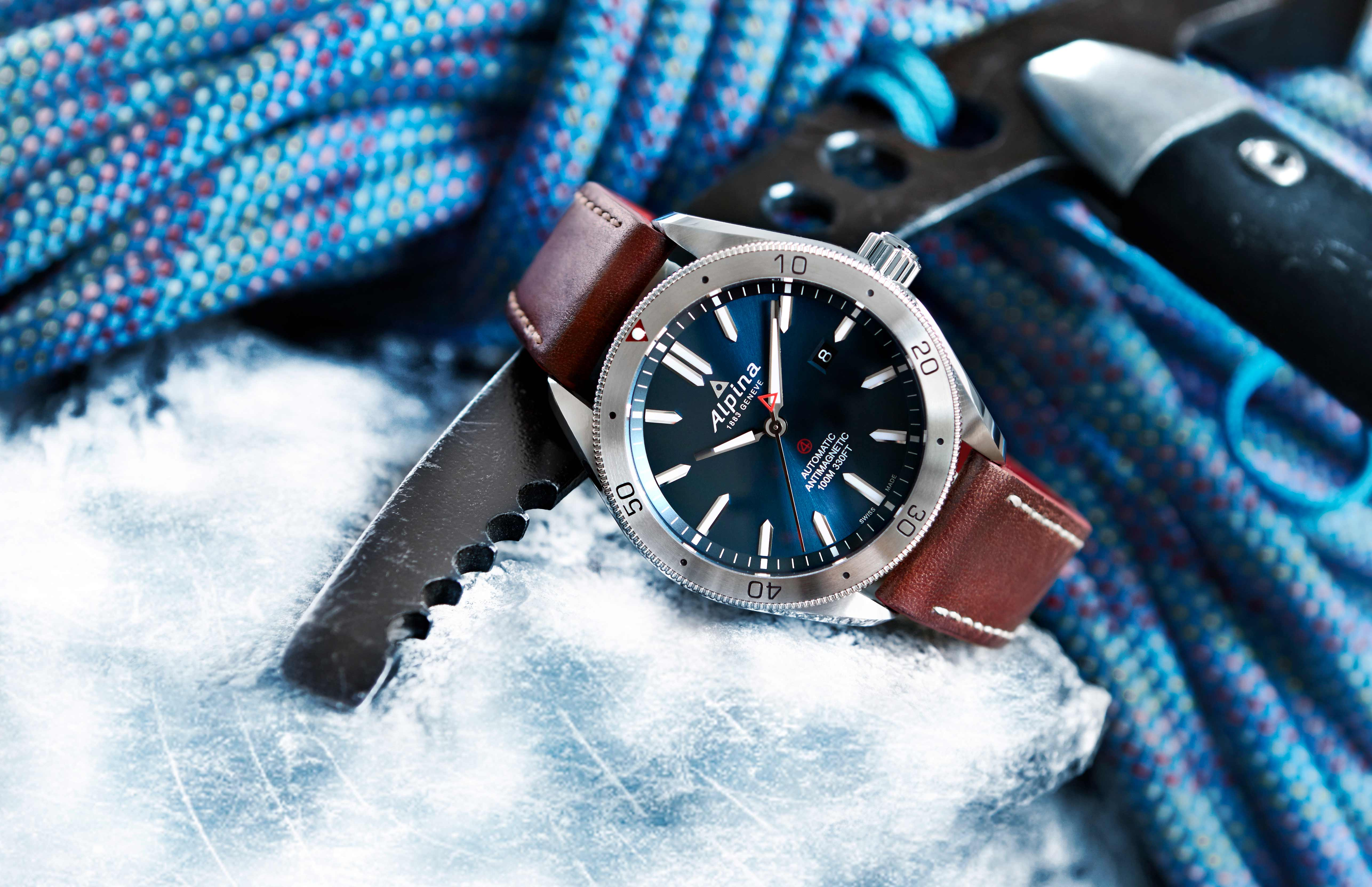 Glacier blue dial. Alpina Watches©